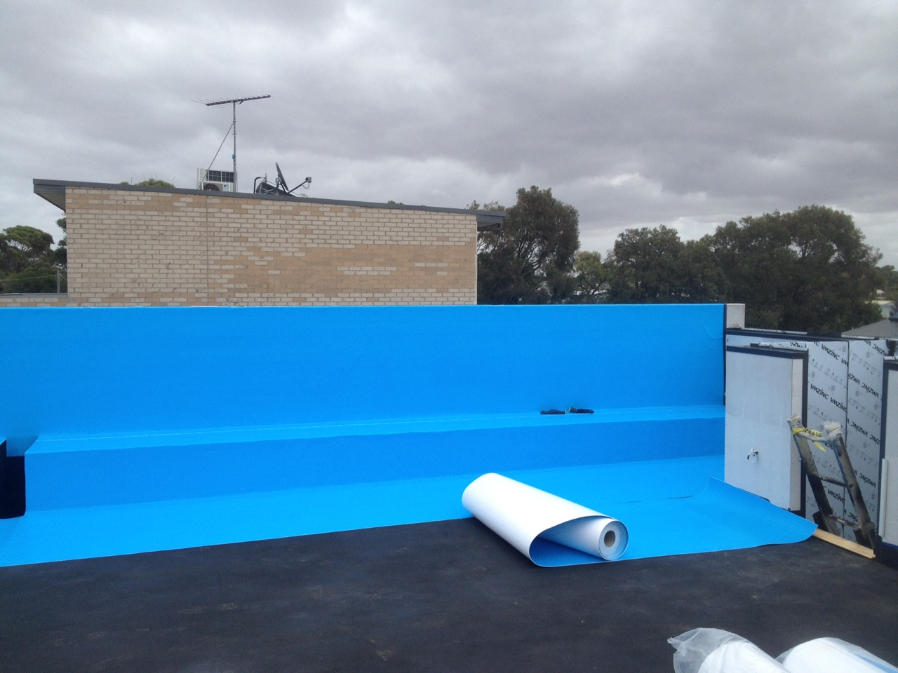 Waterproofing Membrane For Protection : Liquid rubber membranes retaining wall waterproofing